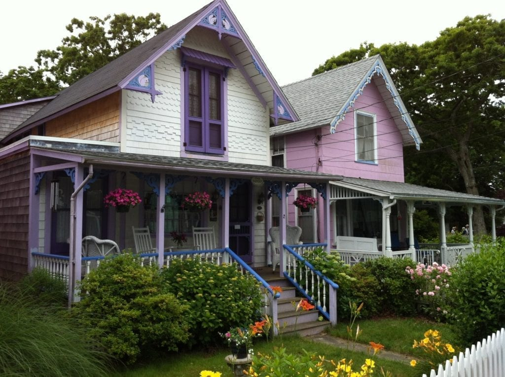 Folk victorian style for Victoria home builders