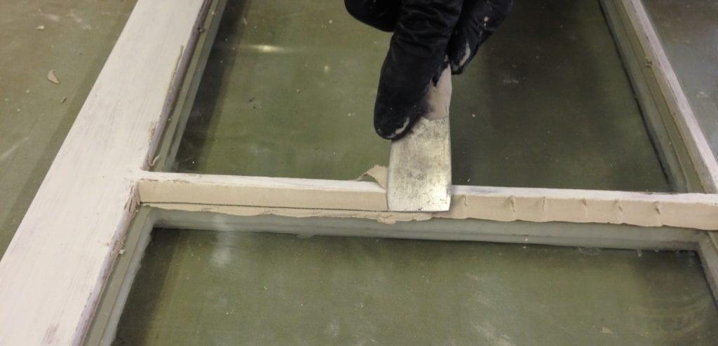 Window Glazing Putty : How to glaze wood windows the craftsman