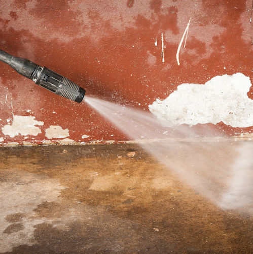 4 Reasons You Should Never Pressure Wash Your House