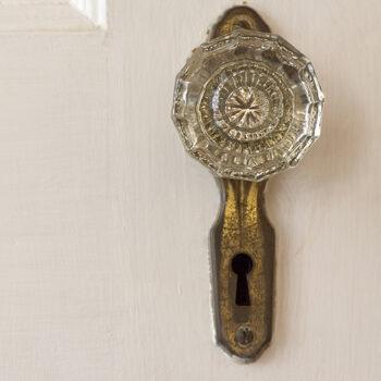 How To: Repair Glass Door Knobs